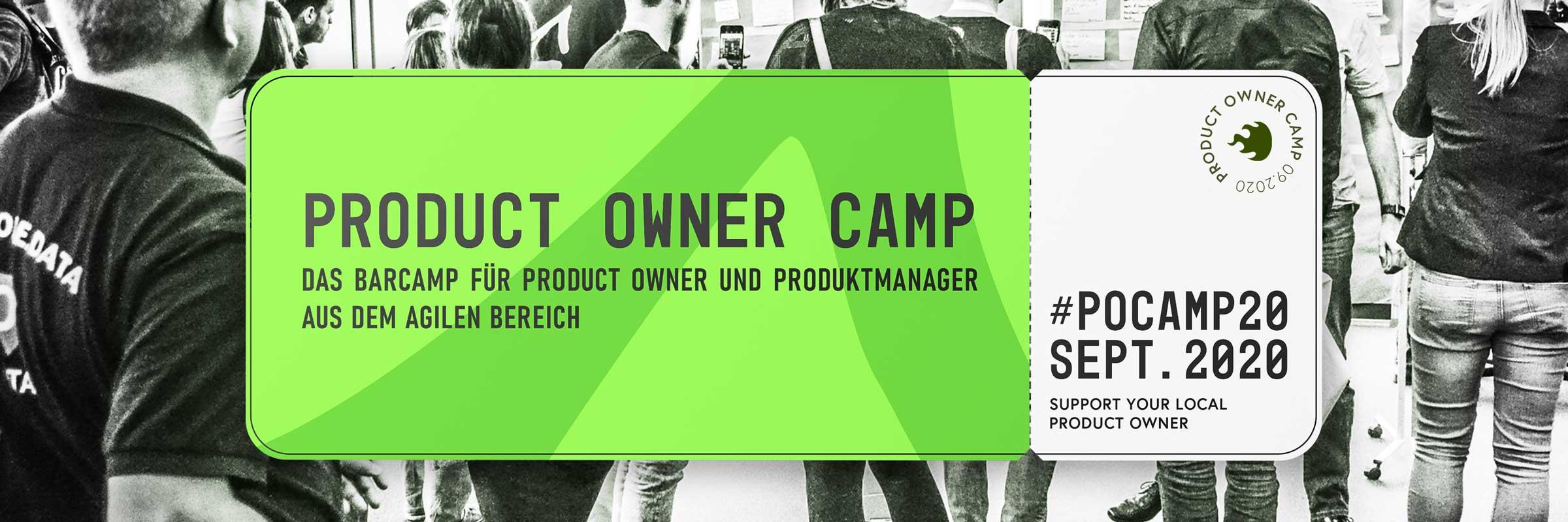 Themenmotiv: Product Owner Camp 2020. Stilisiertes Boarding-Ticket, vor einer Teilnehmergruppe mit Terminhinweis auf 18. und 19. September.
