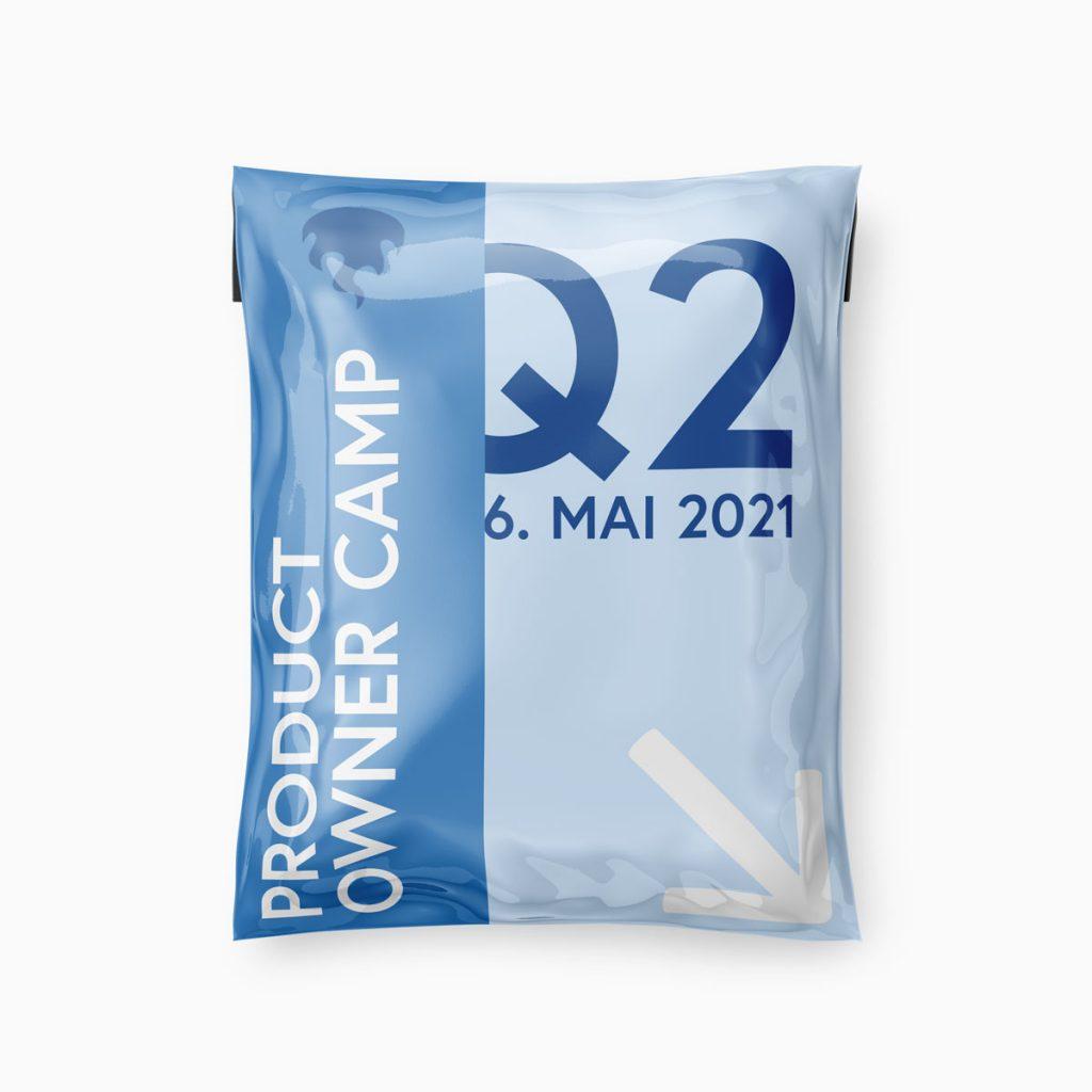 """Illustration: Prall gefülltes Paket """"Product Owner Camp"""" mit Hinweis auf das zweite Quartal und den 6. Mai als Datum"""
